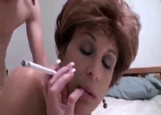 Smoking wig-wearing mommy gets boned
