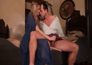 Nasty daughter blows her skirt-wearing dad