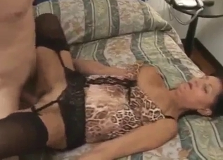 Stockings-clad mom takes it deep