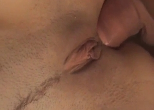 Trimmed pussy hoe gets her pussy gaped