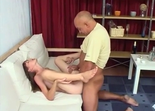 Wrinkly bitch enjoying extreme sex